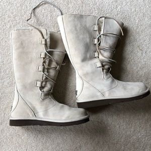 Rare New Ugg lace up Boots NWOT